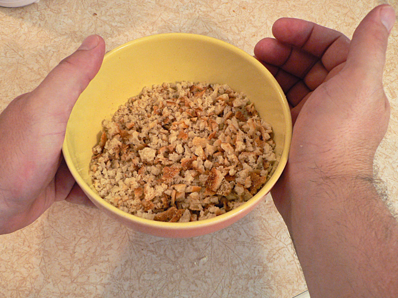 how to make bread crumbs in microwave