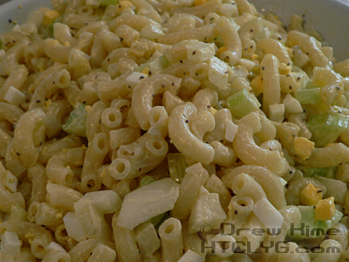 How To Make Old-Fashioned Macaroni Salad